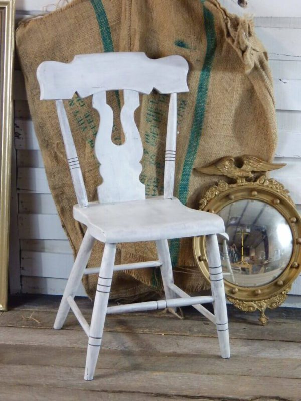Real Milk Paint soft white silla completa 600x800 - Soft white